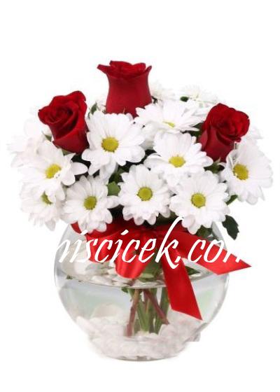 Akvaryum Camda Kır Çiçekleri ve 3 Kırmızı Gül - Ürün Kodu:441