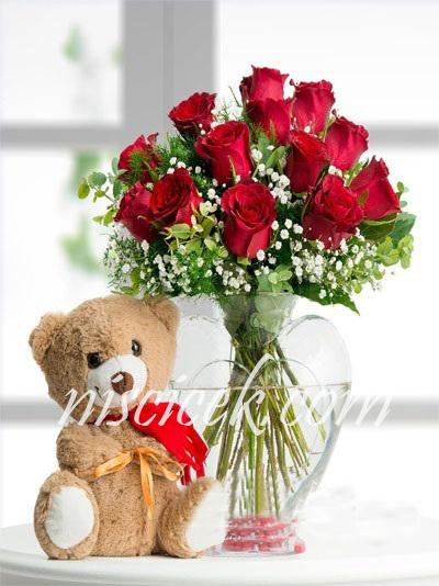 Kalpli Cam Vazoda 12 Kırmızı Gül ve Ayıcık - Ürün Kodu:443