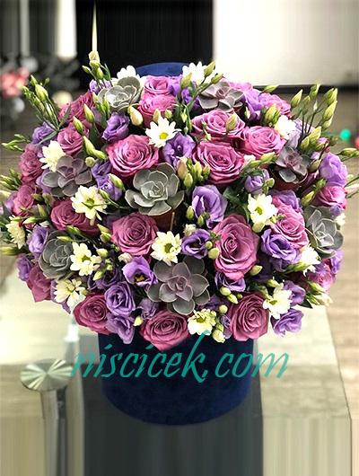 Kutuda Gül,Lisyantus ve Mevsim Çiçekleri
