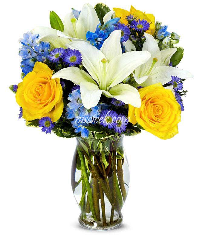 Cam Vazoda Sarı Gül,Lilyum ve Renkli Mevsim Çiçekleri - Ürün Kodu:490