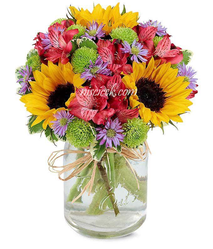 Cam Vazoda Ay Çiçekleri ve Mevsim Çiçekleri - Ürün Kodu:493
