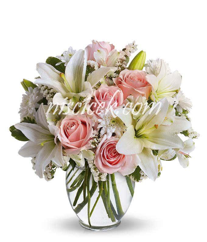 Cam Vazoda 5 Pembe Gül,Lilyum ve Beyaz Mevsim Çiçekleri - Ürün Kodu:603
