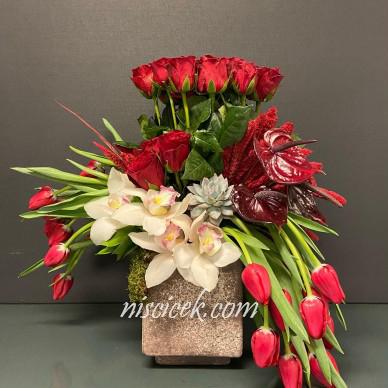 Seramikte Kırmızı Gül,Antoryum,Lale ve Orkide - Ürün Kodu:477