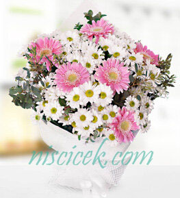 Pembe Beyaz Mevsim Çiçekleri Buketi - Ürün Kodu:821