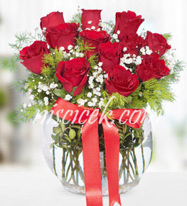 Cam Akvaryumda 11 Kırmızı Gül,Cipsofilya ve İthal Yeşillikler - Ürün Kodu:538