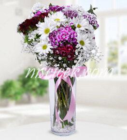 Cam Vazoda Pembe Beyaz Mevsim Çiçekleri - Ürün Kodu:570
