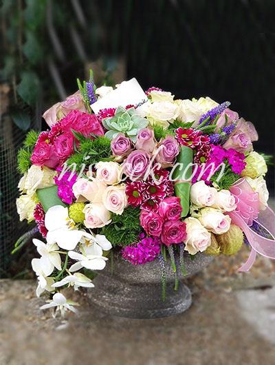 Seramik Saksıda Orkide,Renkli Güller,Mevsim Çiçekleri Aranjman - Ürün Kodu:575