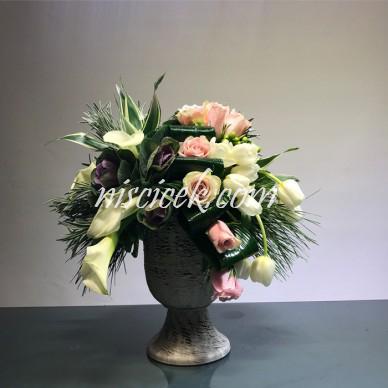 Seramik Saksıda Pembe Güller,Beyaz Lale Aranjman - Ürün Kodu:580