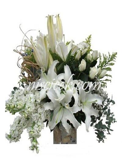 Cam Vazoda Lilyum,Şebboy,Okaliptus,Kuru Çiçekler ve İthal Yeşillikler - Ürün Kodu:582
