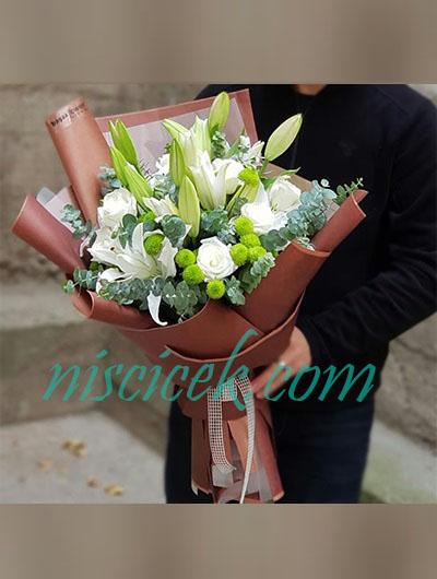 Beyaz Lilyum,Beyaz Gül Buketi - Ürün Kodu:834