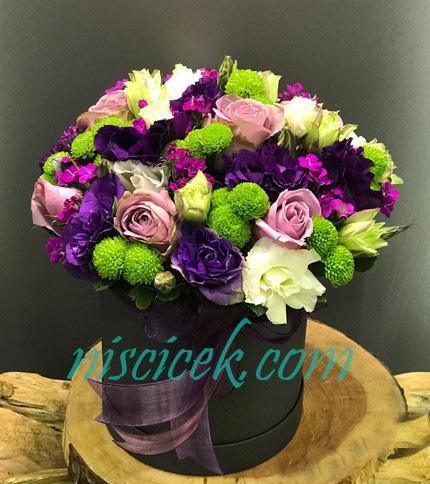 Kutuda Gül,Lisyantus ve Renkli Bahar Çiçekleri
