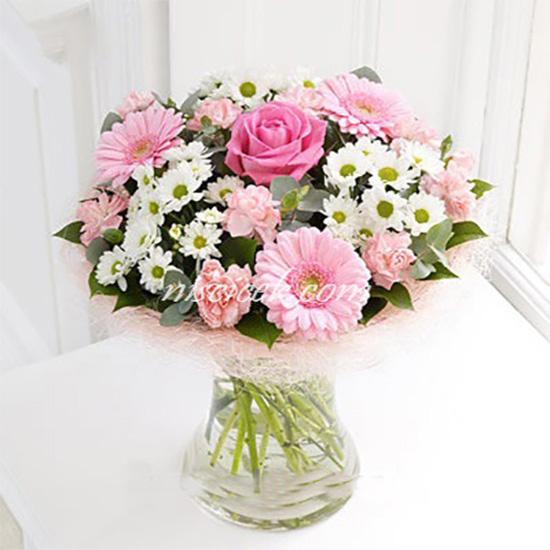 Vazoda Pembe Gerbera,Beyaz Pembe Kır Çiçekleri ve Güller - Ürün Kodu:445